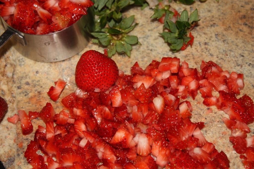 Fresh-Strawberries-Cupcakes-Frosting-dessert