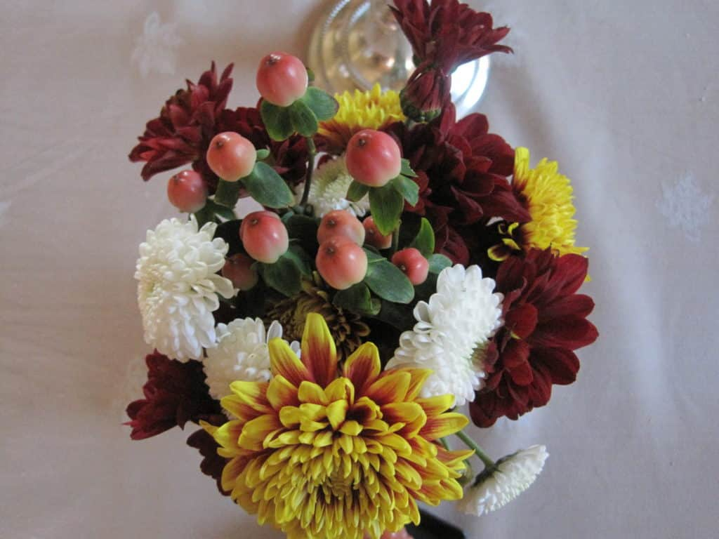 mason-jar-floral-arrangement