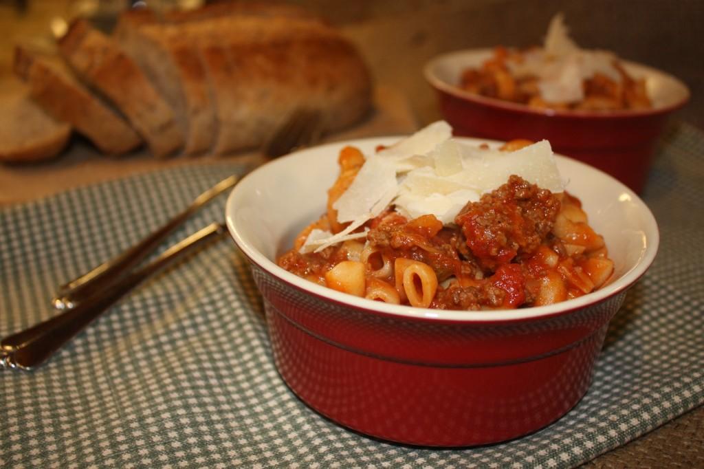 macaroni-beef-American-Chop-Suey-goulash-potluck-easy-