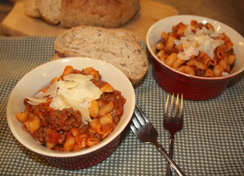 American-classic-macaronni-beef-easy-homemade-pasta-dish