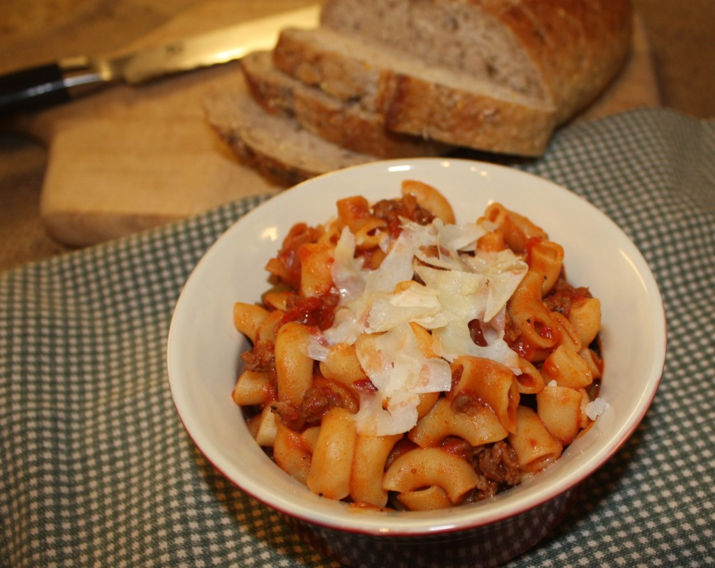 American-chop-suey-hamburger-helper-pasta-dish-potluck-leftovers