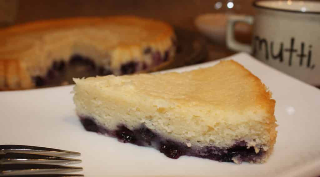 Blueberry-coffee-cake-fresh-fruit-brunch-breakfast-snack-dessert