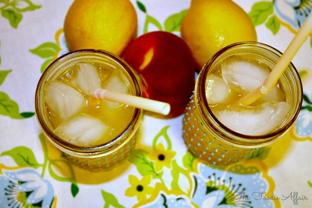 Peach Lemonade - The Foodie Affair