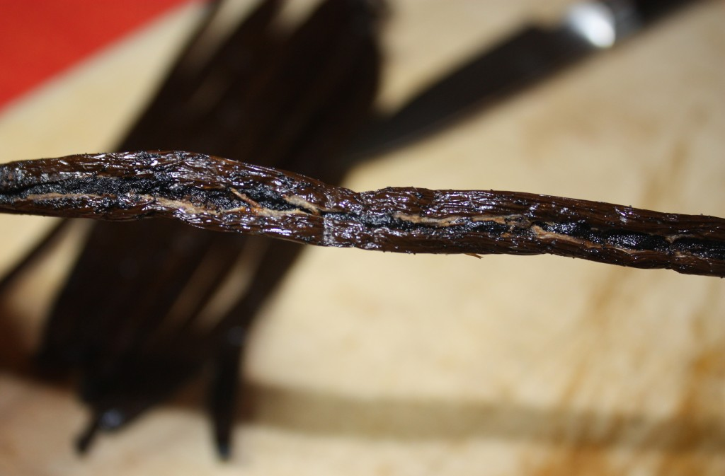 Vanilla Extract Homemade - The Foodie Affair
