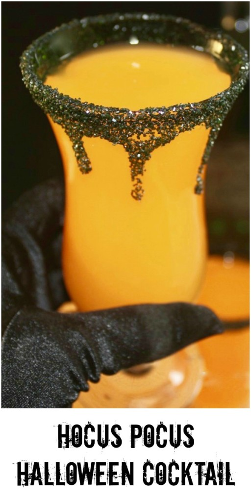 Muhaahaahaa! Hello my pretties! Cast a spell on your guests with this Hocus Pocus Halloween Cocktail! #Halloween #cocktail #drink #easyrecipe #partyidea | www.thefoodieaffair.com