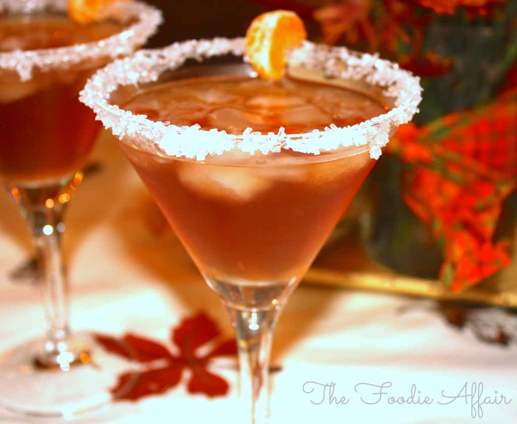 Cranberry Amaretto Kiss Cocktail Recipe - The Foodie Affair