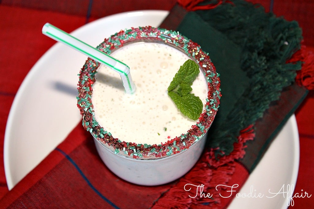 Peppermint Smoothie - The Foodie Affair