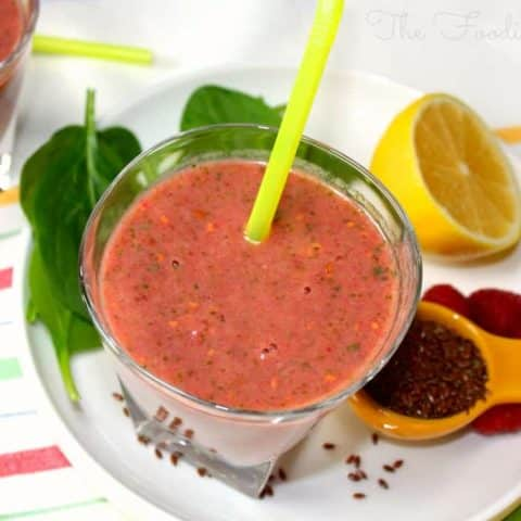 Raspberry Detox Smoothie, a recipe from Dr. Oz #detox #raspberry #smoothie | www.thefoodieaffair.com