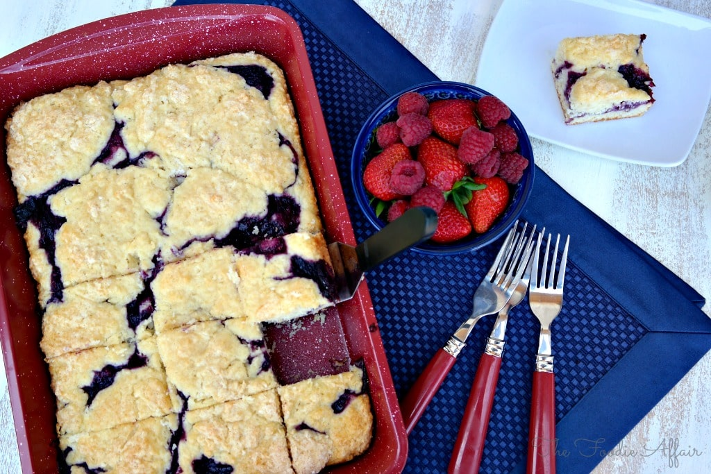 Berry Coffee Cake with homemade triple berry sauce #cake #brunch #dessert | www.thefoodieaffair.com