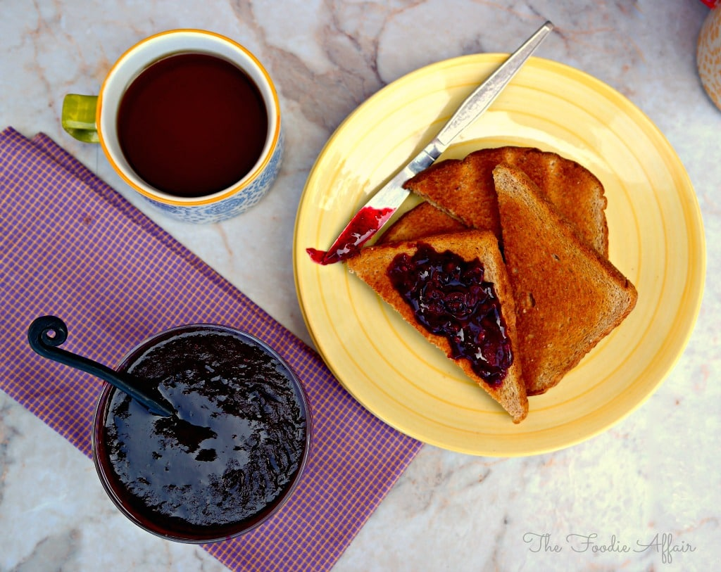 Homemade Fresh Berry Sauce - The Foodie Affair
