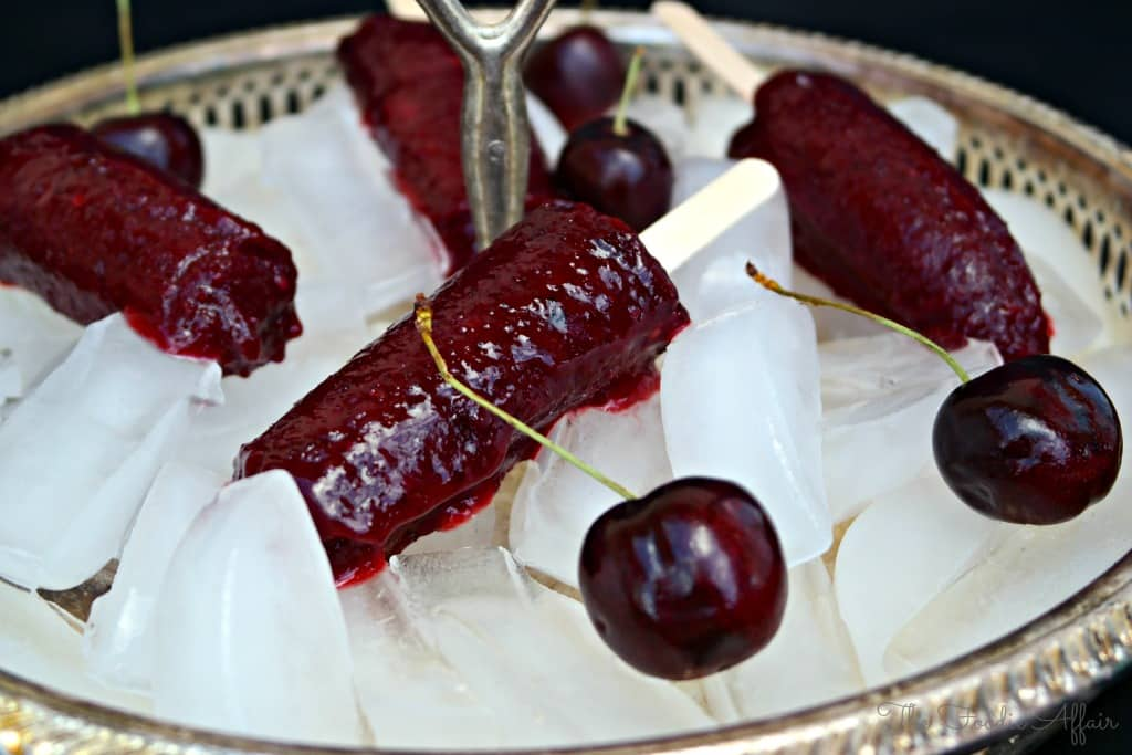 Cherry Limeade Popsicles - The Foodie Affair #popsicles #limeade #cherry #dessert