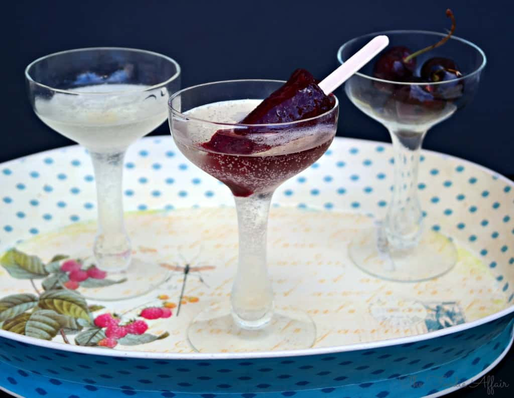Cherry Limeade Popsicles - The Foodie Affair #popsicle #sparklingwine #cherry #dessert