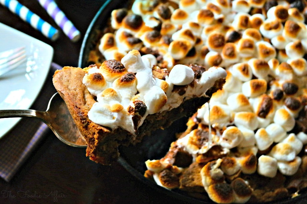 Chocolate Chip S'mores Skillet Cookie - The Foodie Affair