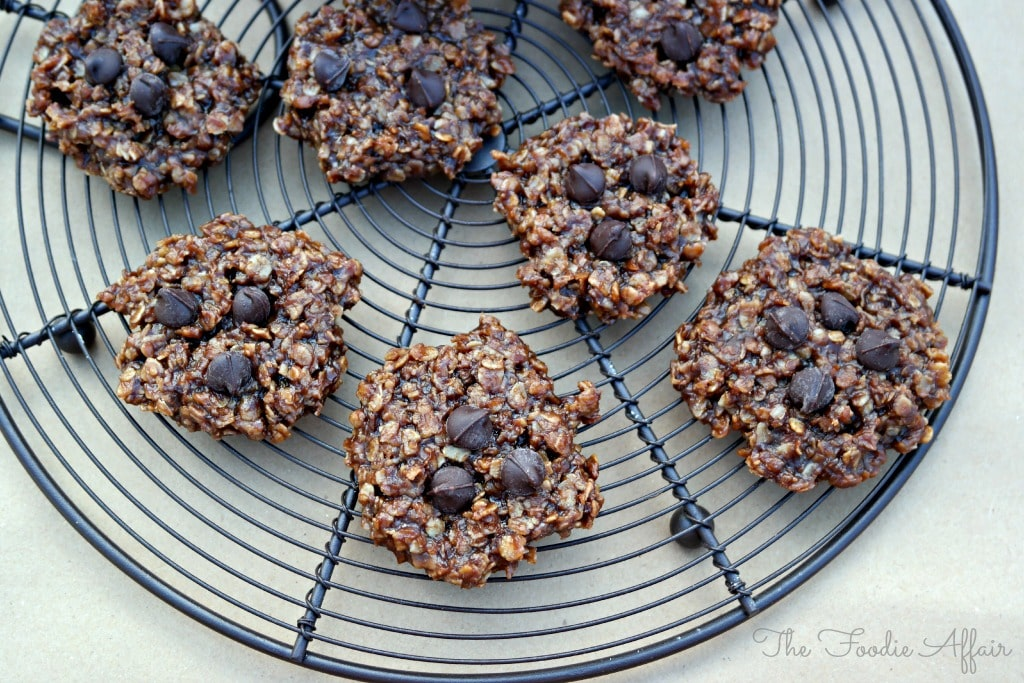 No Bake Chocolate Peanut Butter Cookies - The Foodie Affair
