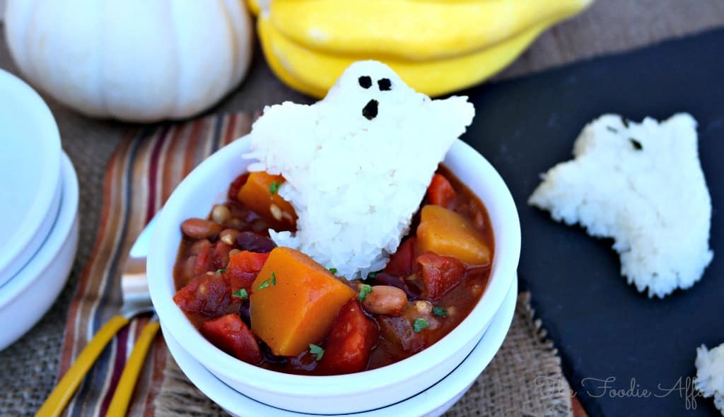 Vegetarian Chili - The Foodie Affair