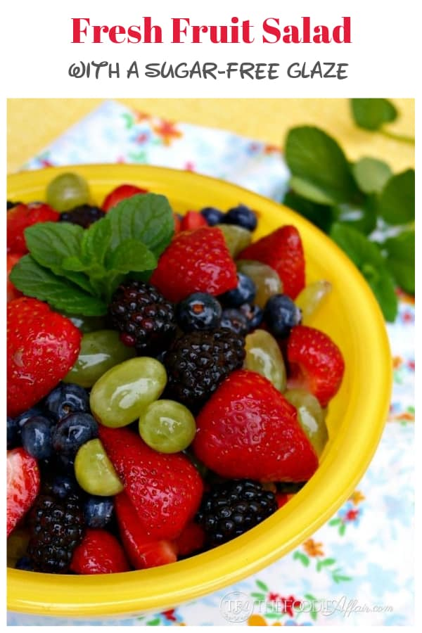 Amelody of refreshing seasonalfruitscombined to make adelicious Fresh Fruit Salad to add to yogurt, oatmeal, desserts or enjoy as it is! This salad glistens without adding a sugar solution! #salad #fruit #summer #bbq #easyrecipe #healthy #diy #berries | www.thefoodieaffair.com