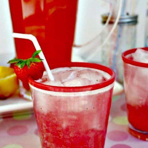 Sparkling Strawberry Lemonade - The Foodie Affair