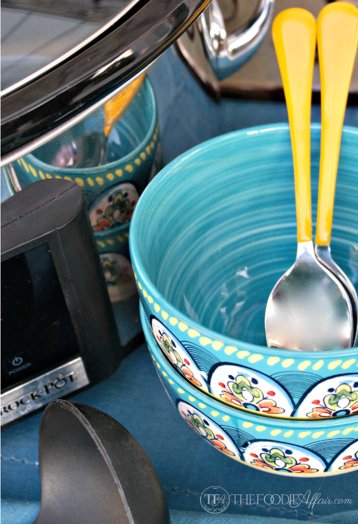 teal bows and spoons for Mexican pinto beans crock pot