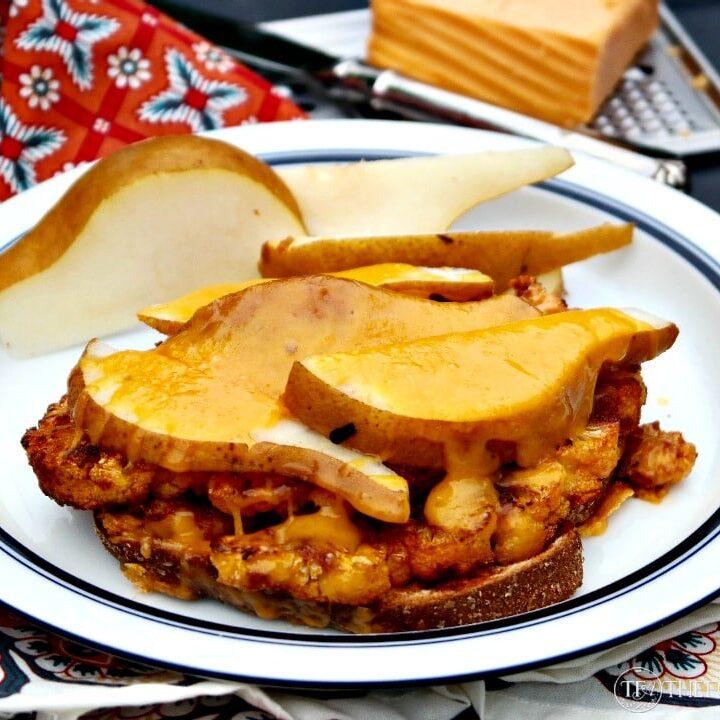 Cauliflower sandwich with cheddar cheese