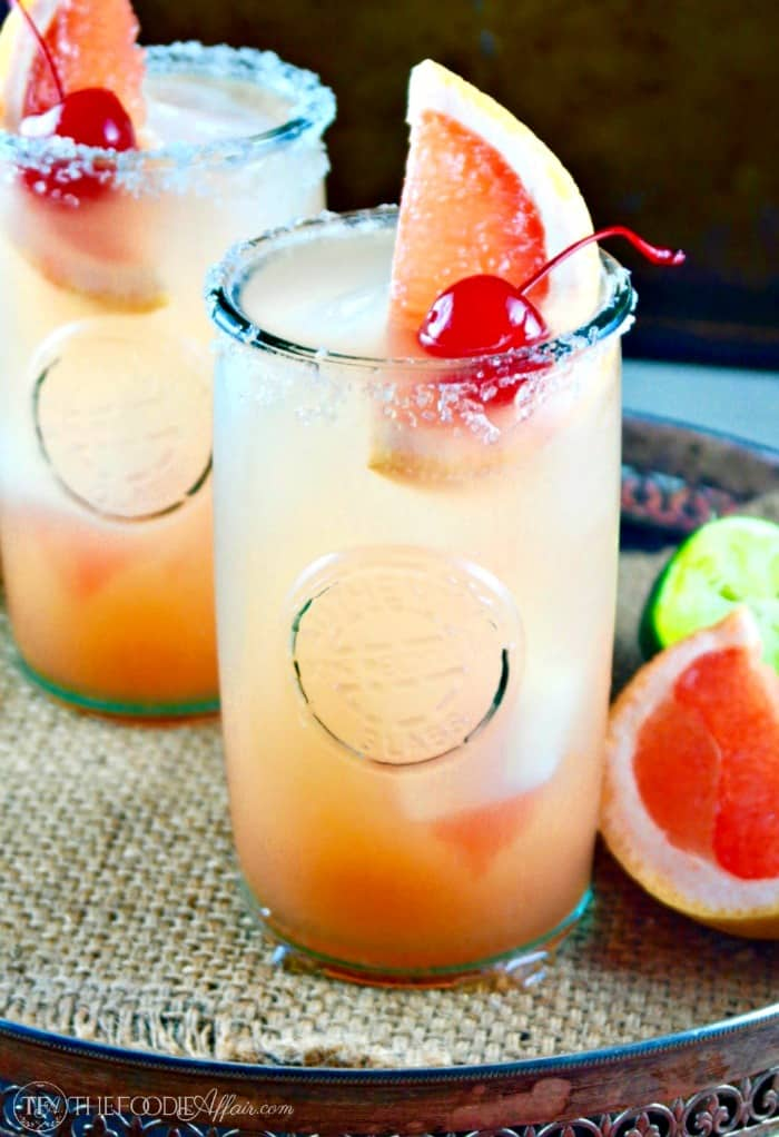 Refreshing Paloma Cocktail made with fresh grapefruit juice, tequila and club soda! The Foodie Affair