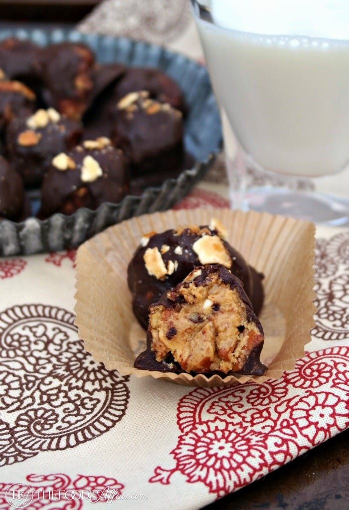 Healthier Peanut Butter Pretzel Bites made with natural peanut butter and a sugar substitute that won't send your glucose levels sky high. This no bake protein packed snack is a peanut butter lover's delight!
