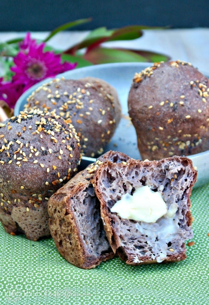 Low Carb Rolls are gluten-free and net just 2 carbs per piece. Each roll is topped with a blend of garlic flakes, sesame and poppy seeds!