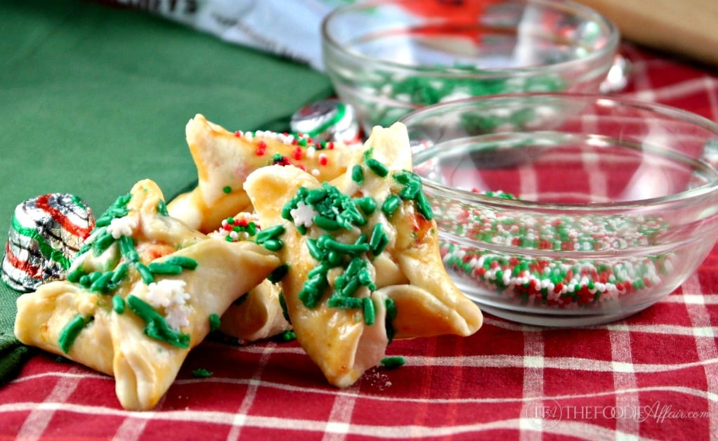 Easy Christmas Cookie Exchange Recipe #cookieswap #cookies #holiday | thefoodieaffair.com