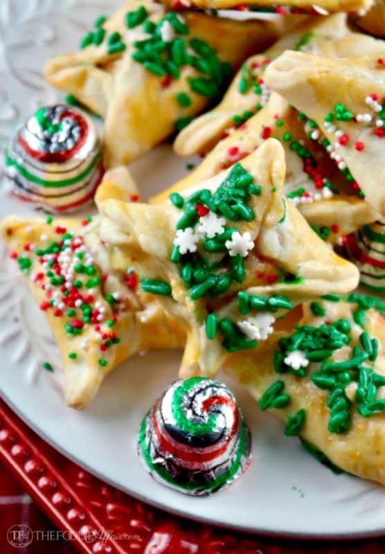 Easy Christmas Cookie Exchange Recipe #cookieswap #cookies #holiday | thefoodieaffair.com