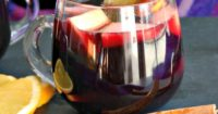 Slow Cooker Winter Sangria for easy entertaining #sangria #winter #slowcooker #redwine | thefoodieaffair.com