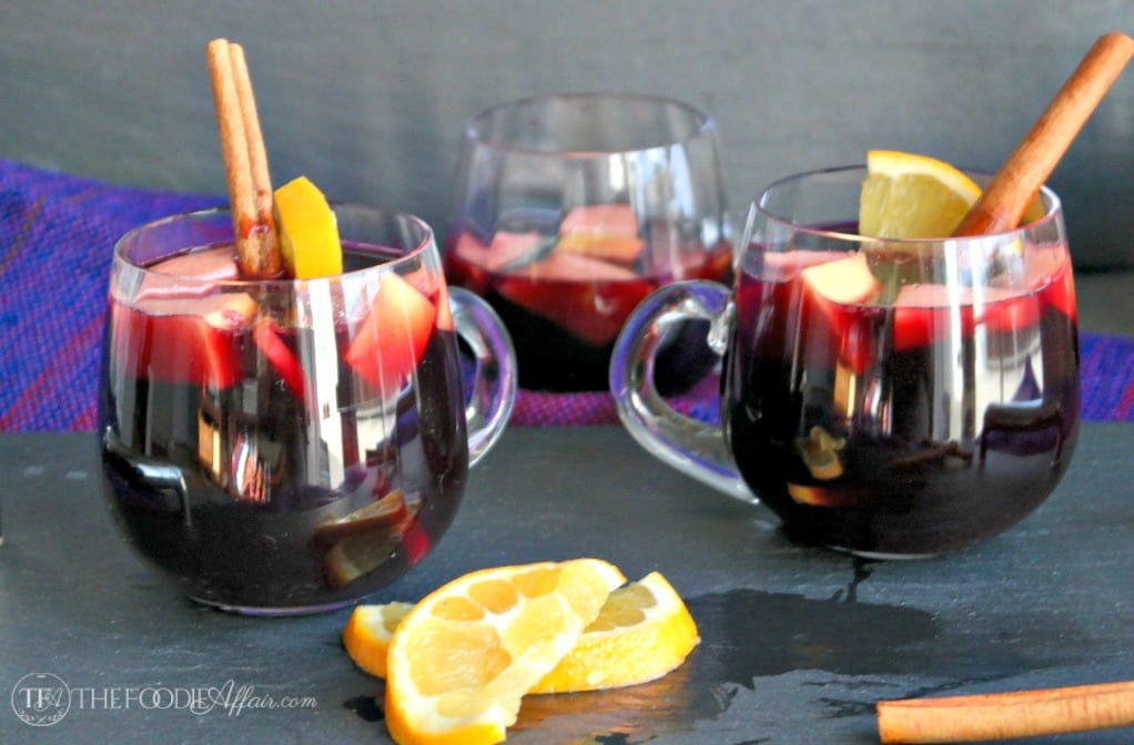 Slow Cooker Winter Sangria for easy entertaining #sangria #winter #slowcooker #redwine| thefoodieaffair.com