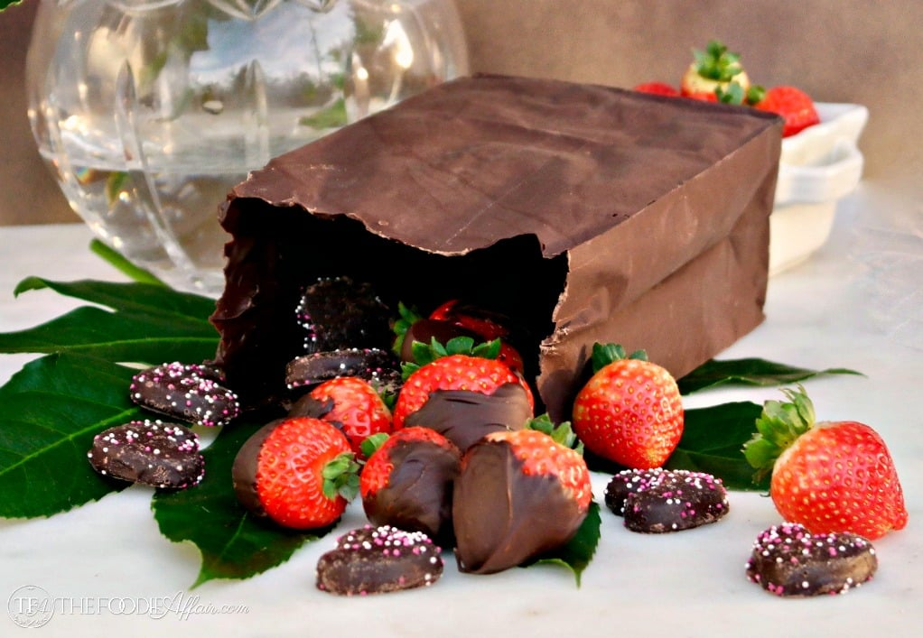 Chocolate Bag Dessert filled with your favorite treats #chocolate #bag #dessert #Valentine | www.thefoodieaffair.com