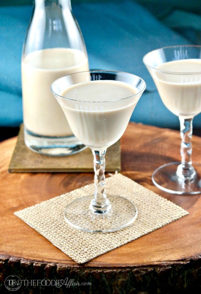 Sugar Free Irish Cream is a low carb copycat Baileys liqueur for sipping or adding to recipes! #IrishCream #liqueur #Baileys | www.thefoodieaffair.com