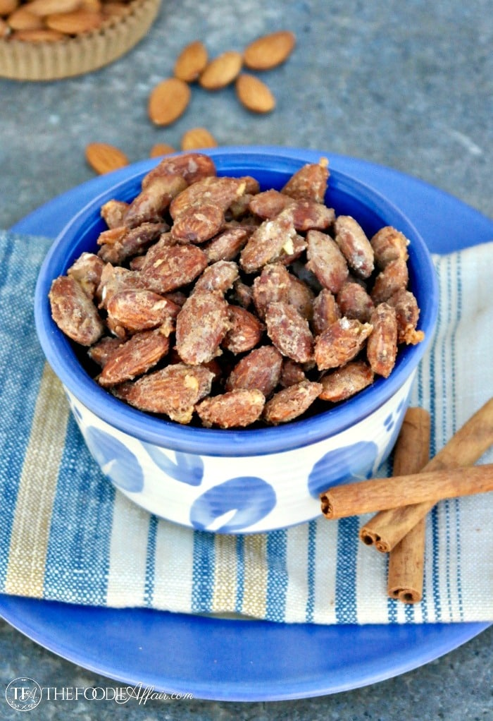 Low Carb Cinnamon Almonds lightly toasted with a sweet tasting glaze! #lowcarb #almonds #cinnamon #snack #healthy | www.thefoodieaffair.com