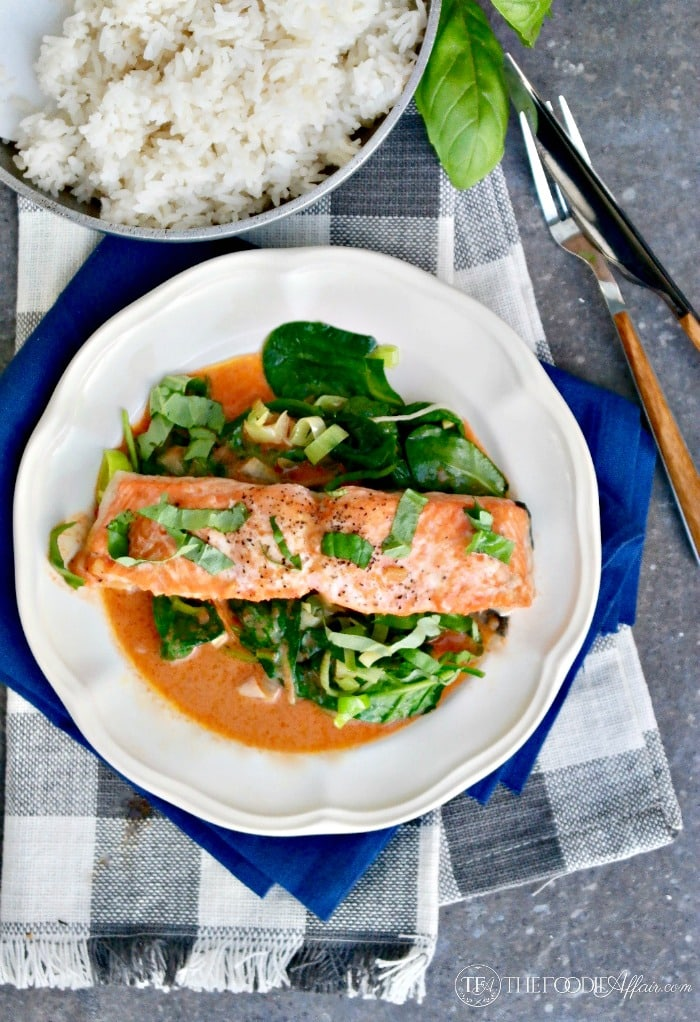 Salmon Coconut Red Curry Sauce makes a filling keto friendly meal packed with protein and healthy fats #seafood #curry #coconut | www.thefoodieaffair.com