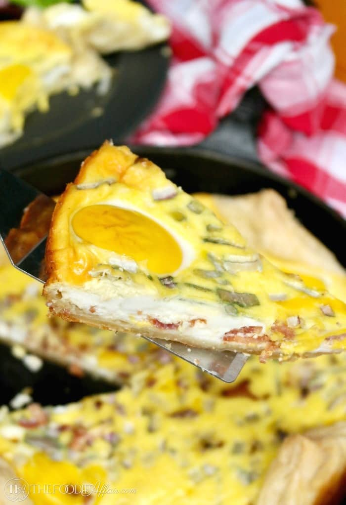 New Zealand Bacon Egg Pie made in a iron skillet! This open face pie is the perfect dish to serve for brunch! #brunch #egg #savory #pie | www.thefoodieaffair.com