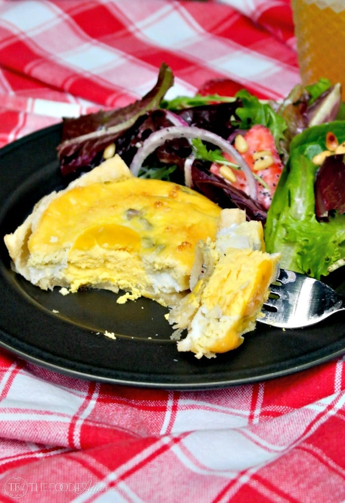 New Zealand Bacon Egg Pie is a traditional savory dish that is often enjoyed for a picnic meal! #picnic #traditional #egg | www.thefoodieaffair.com