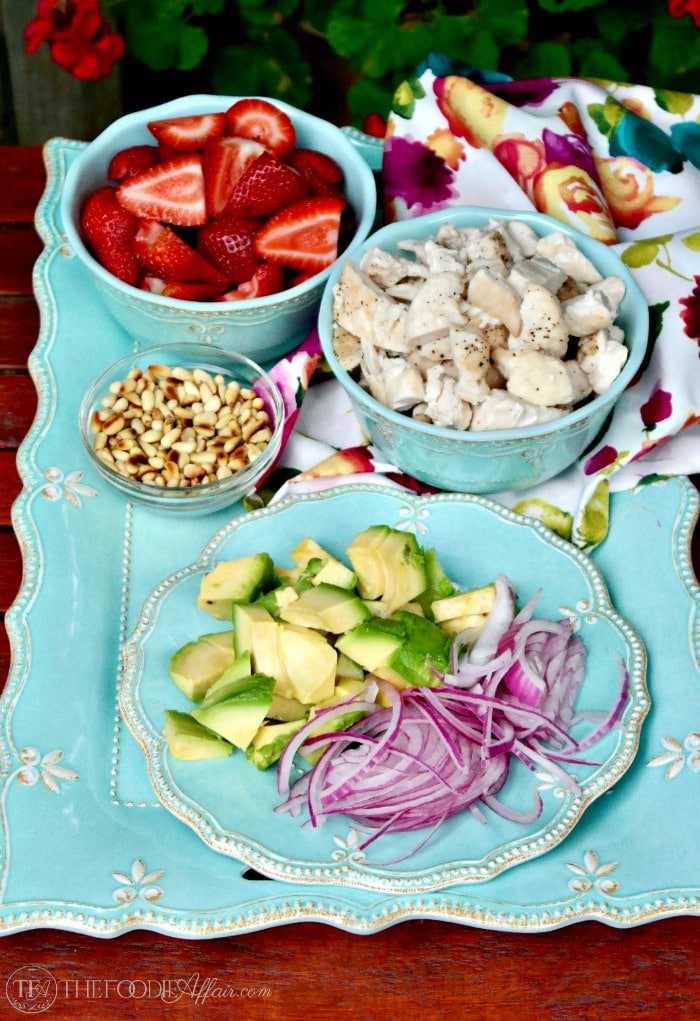 Strawberry Avocado Chicken Salad with sugar free poppyseed dressing can be made in advance and assembled at your destination #picnic #salad #strawberry | www.thefoodieaffair.com