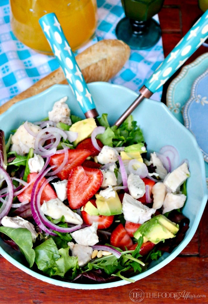 Strawberry Avocado Chicken Salad with fresh greens making this a hearty and healthy meal! #salad #lowsugar #avocado | www.thefoodieaffair.com