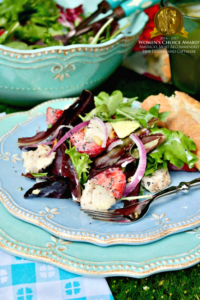 Strawberry Avocado Chicken Salad with sugar free poppy seed dressing is hearty and filling for a main meal! #salad #healthydish #poppyseed | www.thefoodieaffair.com