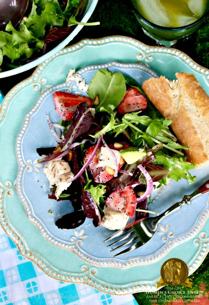 Strawberry Avocado Chicken Salad with a light sugar free poppy seed dressing makes a great summer main meal! #greensalad #salad #lowsugar | www.thefoodieaffair.com