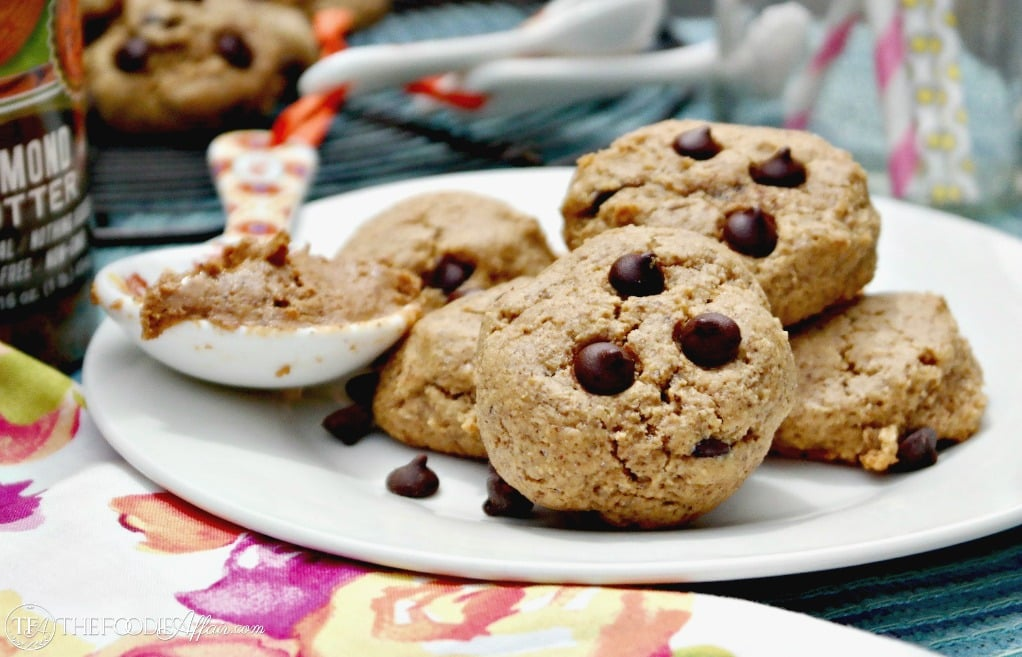 Grain-free Almond Butter Cookies are soft and chewy low carb treats! #LowCarb #GlutenFree #ChocolateChips | www.thefoodieaffair.com