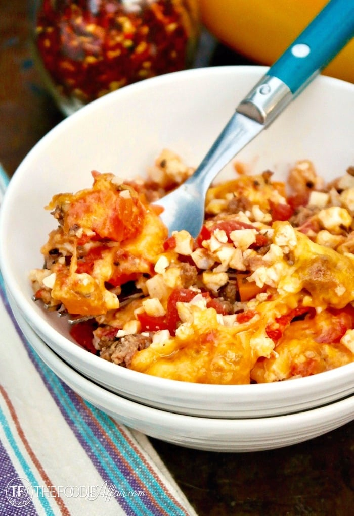 Low Carb Unstuffed bell pepper casserole dish with cauliflower crumbles and melted cheese! #LowCarb #casserole #Bellpeppers | www.thefoodieaffair.com