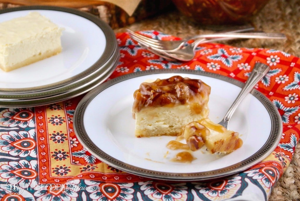 These sugar free cheesecake bars are low carb dessert topped with a decadent maple pecan topping #cheesecake #keto #lowcarb #dessert #sugarfree | www.thefoodieaffair.com