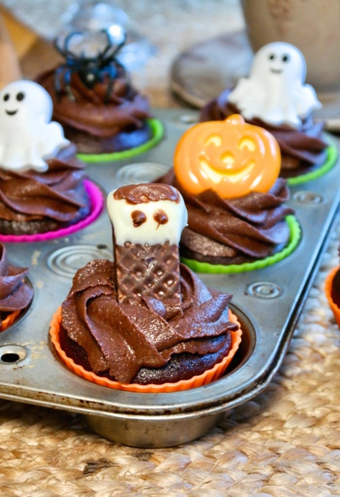 Halloween cupcakes with a wafer cookie