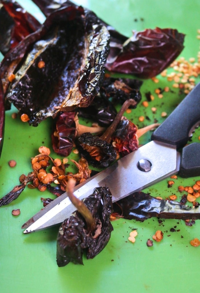 Removing seeds and stems from chilis
