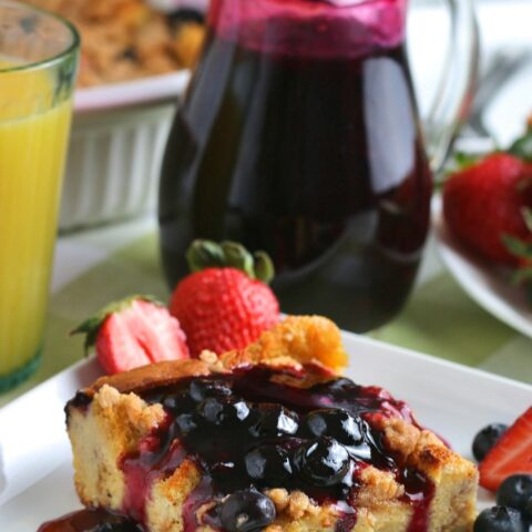 French toast bake makes a great weekday breakfast. The perfect way to start your day off right!