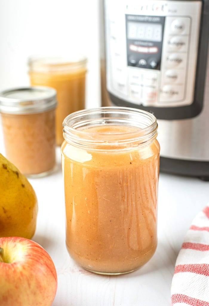 Here is a finished mason jars of applesauce.