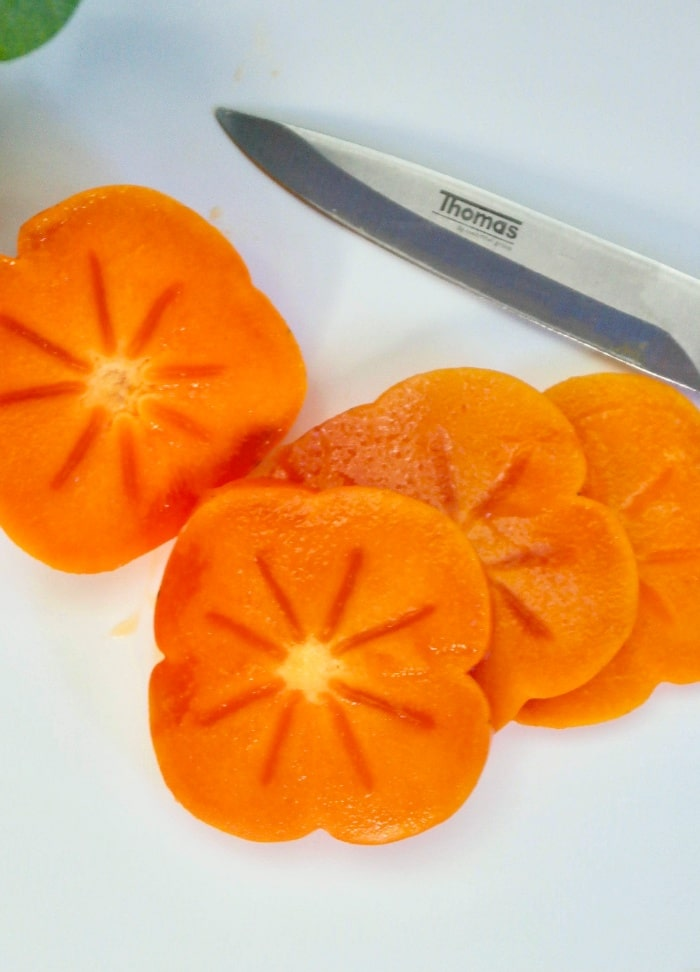 How to slice persimmon